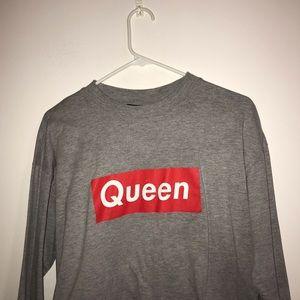 Tops - Queen box logo crop top